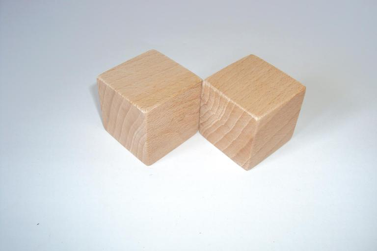 Cube 4 cm