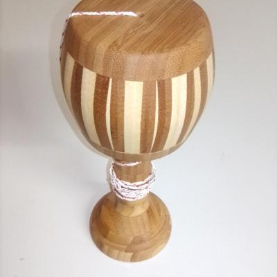 Bilboquet en bois collés