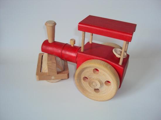 Rouleau compresseur en bois